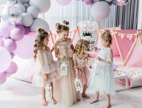 Party Photographer - Little Girls With Teepees